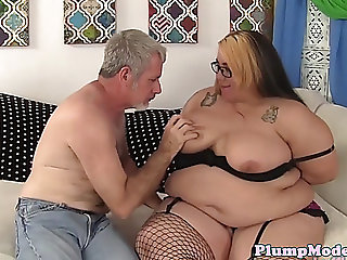 Spex big beautiful woman tittyfucked by old mans ramrod