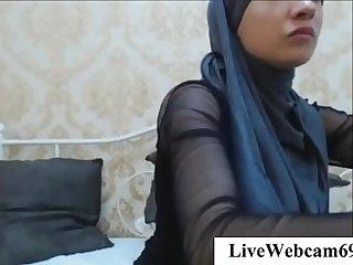 xxx Muslim on Dildo cam riding solo   LiveWebcam69.com