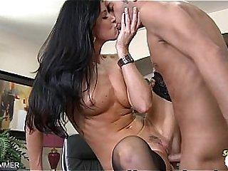 Brunette India Summer swallows cum
