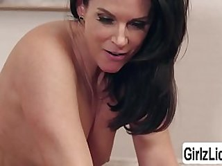India Summer and Reagan Foxx love licking their wet pussies in the couch