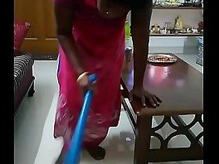 desi indian maid boobs show